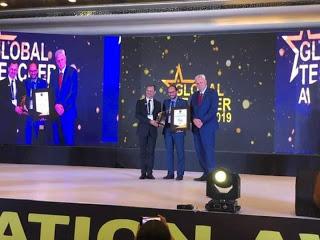 مغربي يتوج بجائزة أفضل أساتذة العالم بالهند