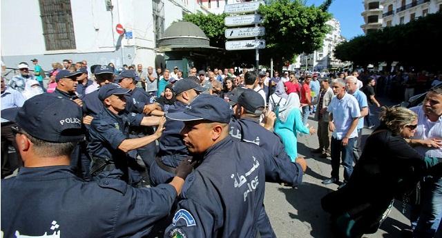 الجزائر.. المعارضون الموقوفون يواصلون إضرابهم عن الطعام