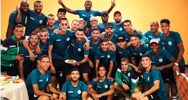 فريق الرجاء البيضاوي يحط الرحال بالأراضي الأردنية