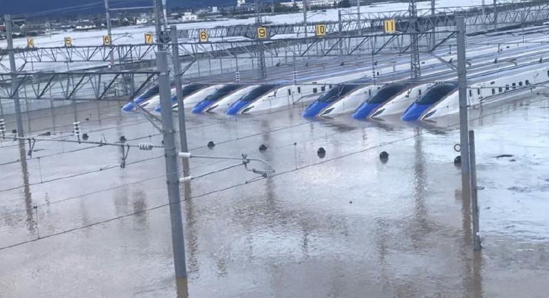 حصيلة أعنف إعصار في اليابان ترتفع إلى حوالى 70 قتيلاً