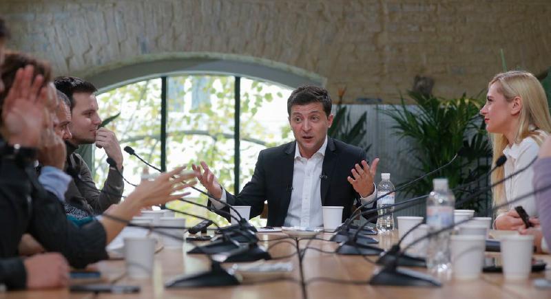 استمر 12 ساعة.. الرئيس الأوكراني يكسر الرقم القياسي لأطول مؤتمر صحفي   مشاهد 24