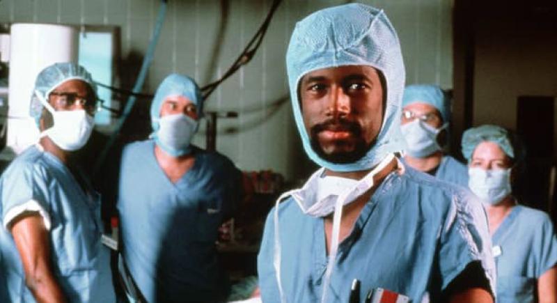 بنيامين كارسون.. لقبه أساتذته بالغبي فأصبح أسطورة الجراحة