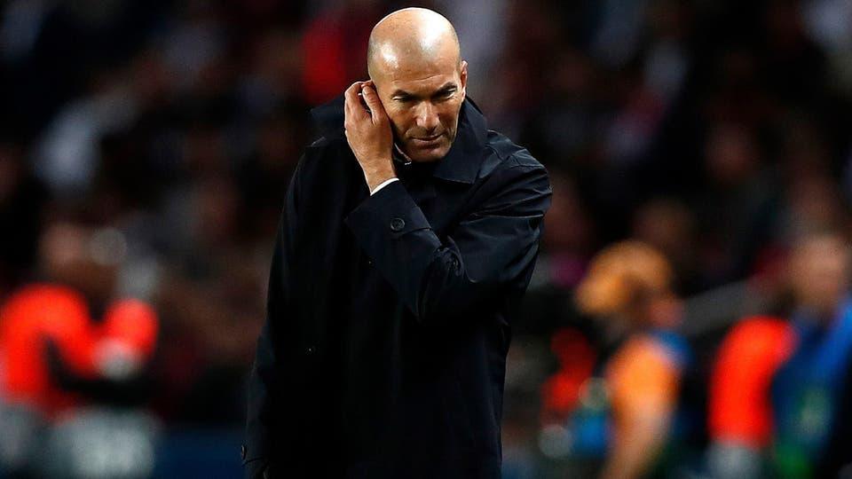 زيدان يرد على أنباء اقتراب رحيله عن ريال مدريد