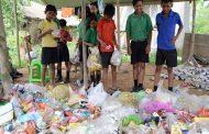 في الهند البلاستيك مقابل التعليم