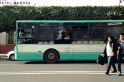 ساكنة القنيطرة تحتج على أزمة حافلات النقل بالمدينة