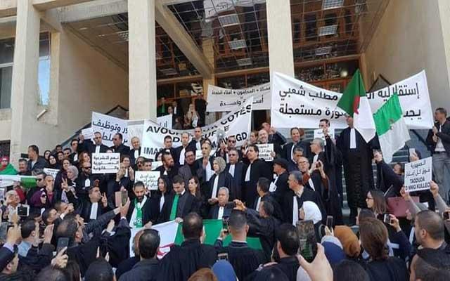 الجزائر.. القضاة يتعرضون للقمع من طرف الدرك