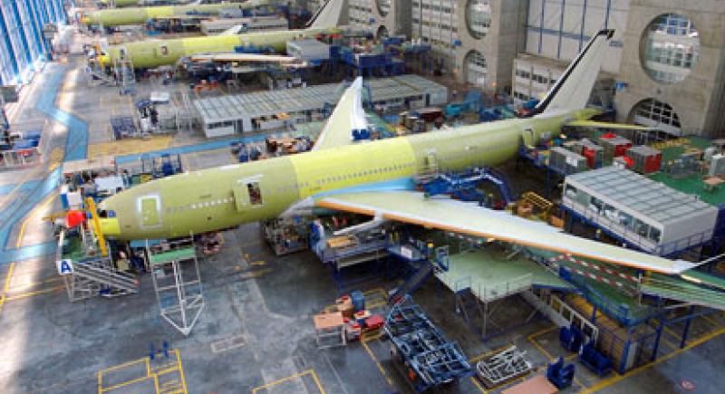 """""""رائحة جوارب"""" تعيد طائرة إلى مصنع إيرباص"""