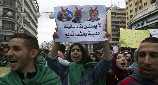 الجزائر.. متابعة رسام كاريكاتير وشاعر بسب انتقاد النظام