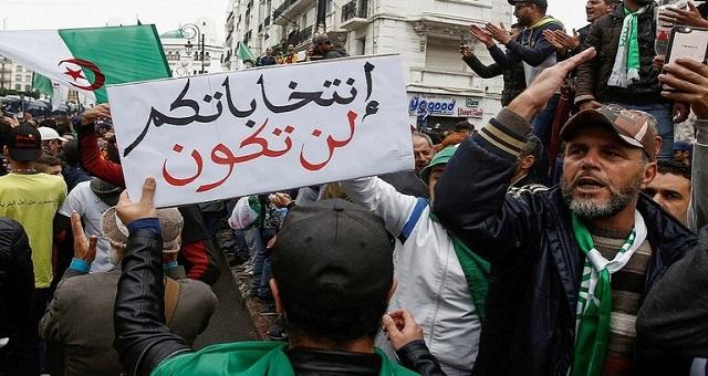 الجزائر.. نداء وطني للتنديد بترهيب الصحافة لتغطيتها الحراك الشعبي