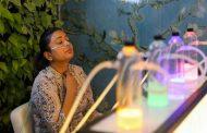 بسبب التلوث افتتاح أول مقهى في العالم لإستنشاق الأكسجين النقي في الهند
