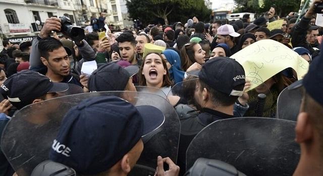 الجزائر.. مناوشات وغلق مكاتب اقتراع يوم الانتخابات