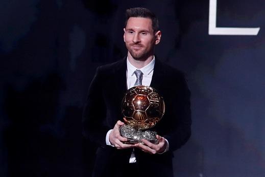 ليونيل ميسي يتوج بجائزة الكرة الذهبية لعام 2019