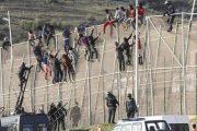 إسبانيا تشرع في إزالة الأسلاك الشائكة من محيط سبتة المحتلة