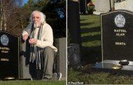 لازال على قيد الحياة.. عجوز يفاجأ بقبر يحمل اسمه !