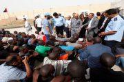 بينهم مغاربة.. الأوضاع الأمنية في ليبيا يؤزم وضع المهاجرين العالقين