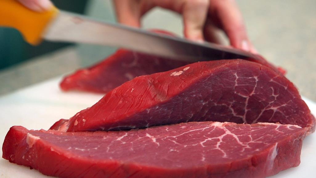 بعد ''وقفة البرلمان''.. بائعو اللحوم الحمراء بـ''البيضاء'' يضربون عن العمل