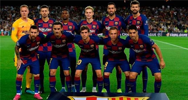 بعد توقف المباريات.. برشلونة يقرر تخفيض رواتب طاقمه