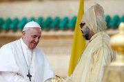 الملك يهنئ البابا فرانسيس بالذكرى السابعة لاعتلائه الكرسي البابوي