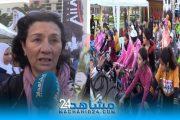 في يومهن العالمي.. ''العجلة الذهبية'' تحتفي بنساء المحمدية وتوصيهن بالرياضة (فيديو)