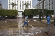 عمدة الرباط يضع برنامجا يوميا لتعقيم الشوارع والمرافق العمومية للعاصمة