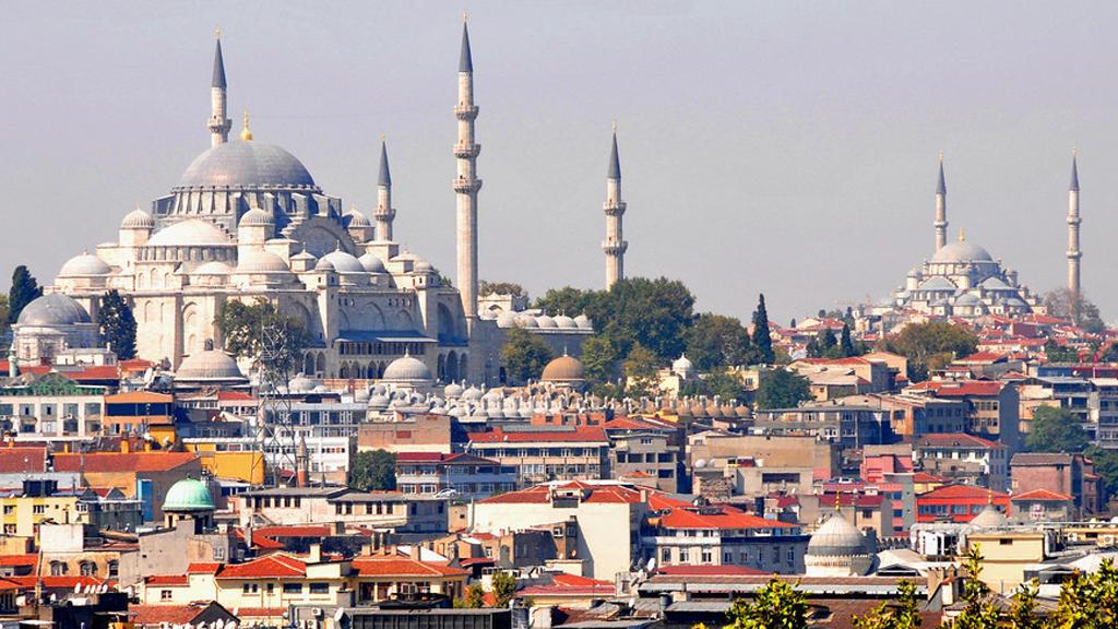 سفارة المملكة بأنقرة تطمئن المغاربة العالقين بتركيا