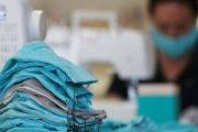 مطالب بتعويضات لعاملات النسيج لانخراطهن في توفير الكمامات بالمملكة