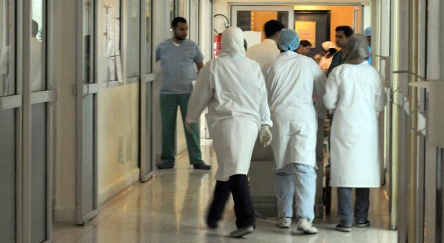 بسبب كورونا.. مطالب بإعادة النظر في سياسة خوصصة قطاع الصحة العمومي