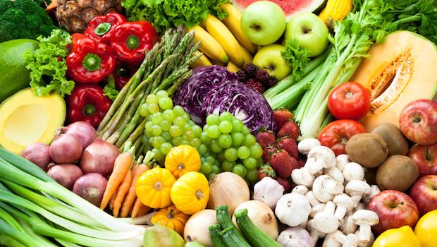 لجنة وزارية تسجل انخفاض أسعار الخضر والفواكه