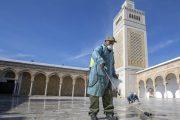 استعدادا لفتحها.. انطلاق حملة تنظيف وتعقيم المساجد