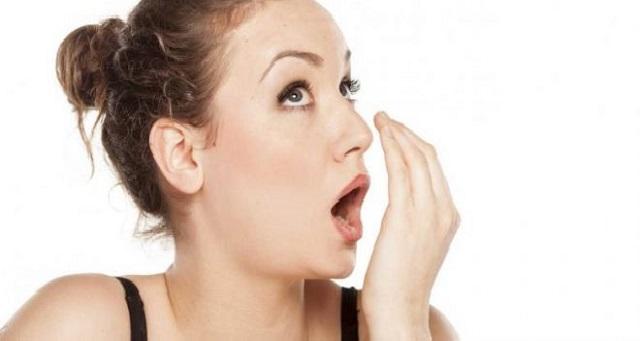 نصائح رمضان.. طريقة فعالة للتخلص من رائحة الفم