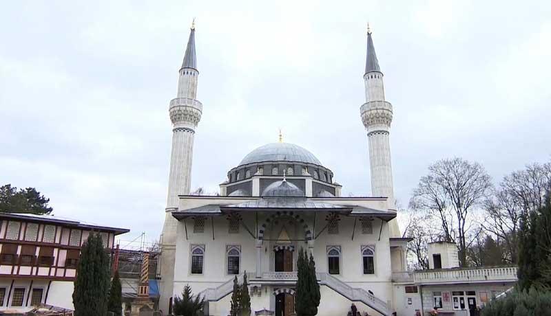 الجالية المسلمة في أوروبا تحتفل بعيد الفطر بعد غد الأحد