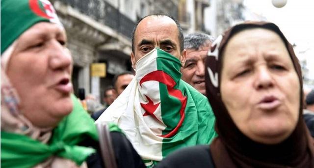 تراخي الجزائر في مسألة الهجرة وتزايد قمع المعارضين يضعها في قفص الاتهام