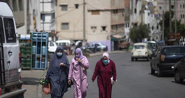 المغاربة يواجهون تخفيف