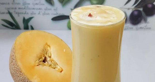 طريقة تحضير عصير البطيخ الأصفر بالموز