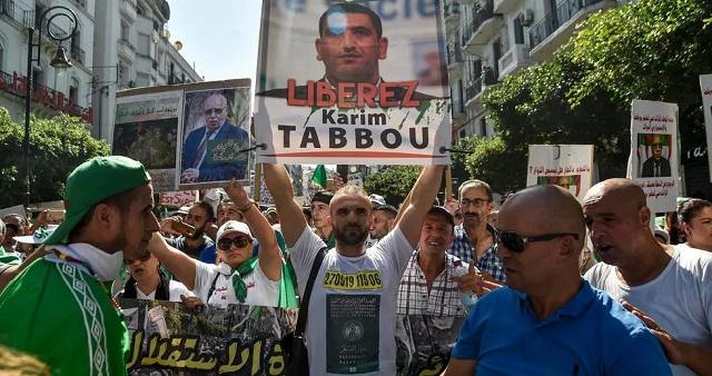 الجزائر.. أحد أبرز رموز الحراك يصف النظام بـ