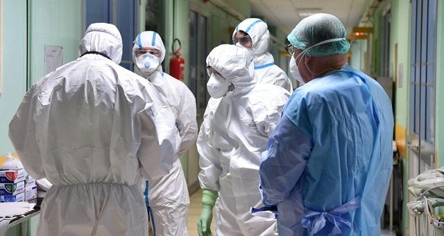 كورونا عبر العالم.. الإصابات تتجاوز 92.3 مليون وأول وفاة بالصين منذ 8 أشهر