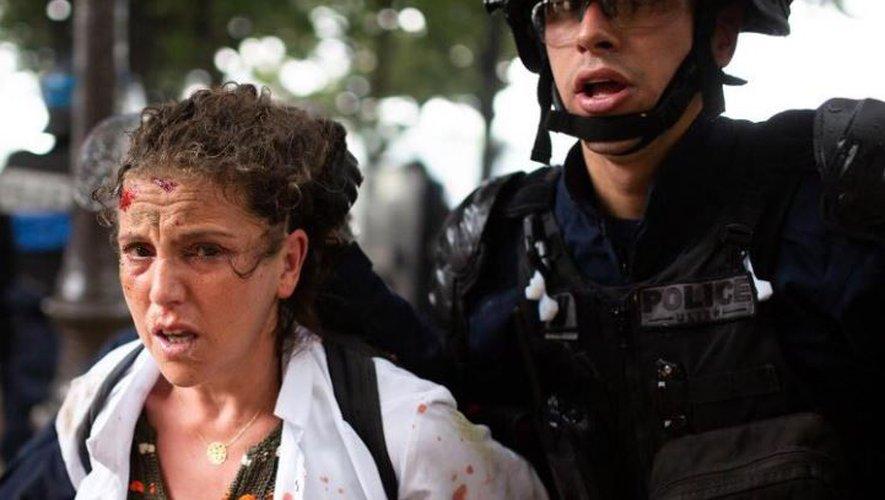 فريدة.. ممرضة مغاربية منعت من الدواء وسحلت من الشرطة تثير الجدل بفرنسا
