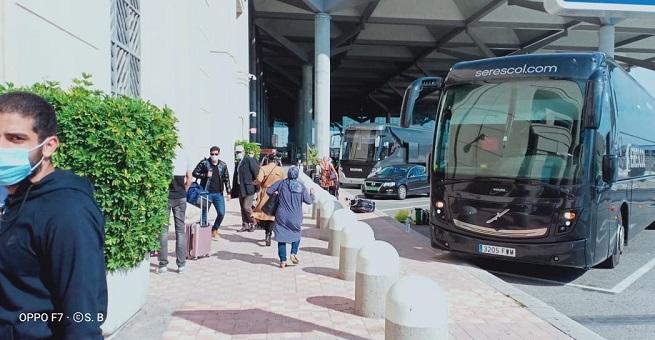عبر 3 رحلات جوية.. إجلاء الفوج الأول من المغاربة العالقين بإسبانيا