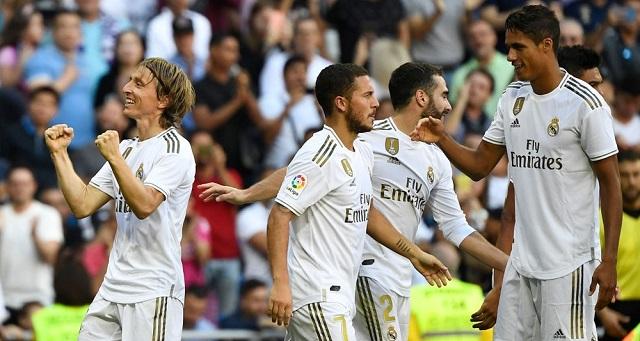 ريال مدريد يتغلب على غرناطة.. ويقترب من حسم لقب الدوري