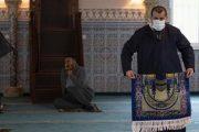 قبل فتح المساجد.. إخضاع الأئمة والمؤذنين لتحاليل كورونا