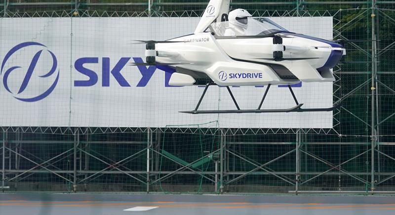 قد تطرح بحلول 2023.. تفاصيل تجربة السيارة الطائرة (فيديو)