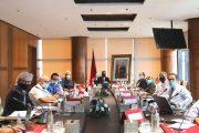 العثماني يلتقي باقتصاديين وخبراء ويرحب باقتراحاتهم لتحقيق الإقلاع الاقتصادي