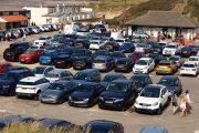 بعد إغلاق الشواطئ.. أرباب شركات مواقف السيارات يطالبون بإنصافهم