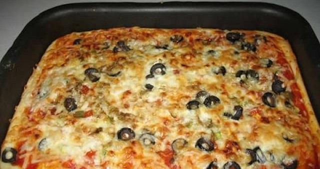 طريقة عمل عجينة البيتزا السائلة