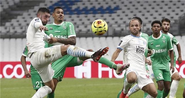 سانت إيتيان يهزم مارسيليا ويعتلي صدارة الدوري الفرنسي