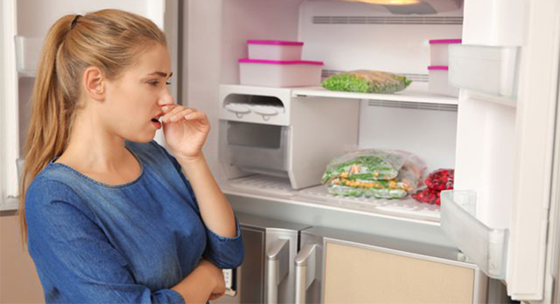 طريقة التخلص من رائحة الثلاجة الكريهة