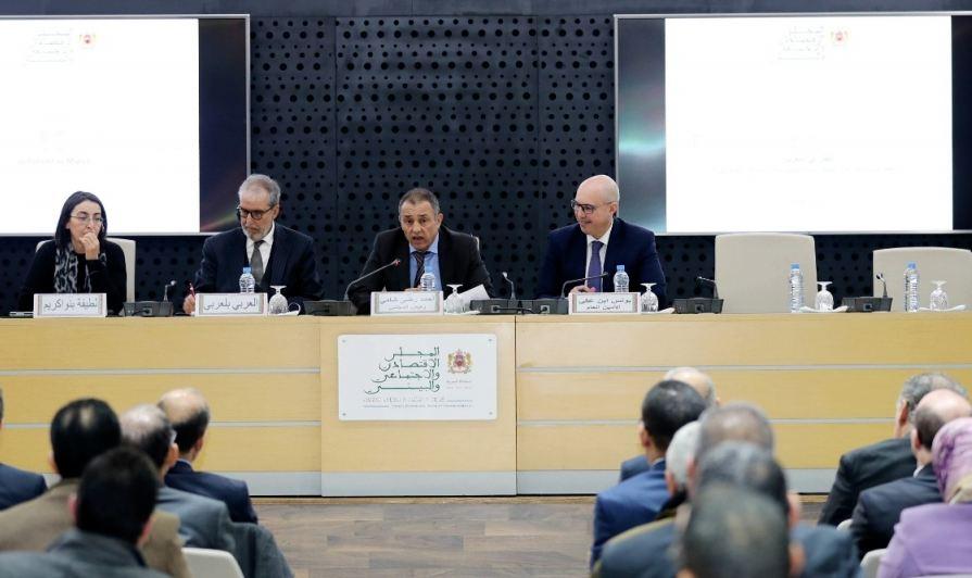 اتفاقية بين المجلس الاقتصادي والاجتماعي ووزارة التعليم والجامعات لتبادل الخبرات