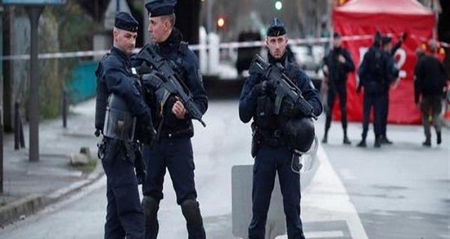 بعد قتل المدرس.. فرنسا تعيش على وقع الاعتقالات والتنديدات