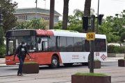 عمال النقل الحضري يحتجون بالبيضاء ويلوحون بالتصعيد