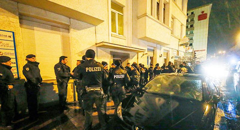 150 شرطيا ألمانيا يقتحمون أقدم مساجد برلين